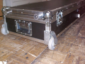 Koffer+Haube Standard-E1 mit Eckrollen-06
